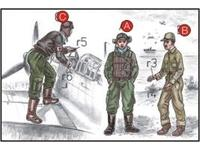Japanese Navy Pilots (2 fig.) And Mechanics W