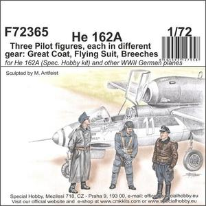 He 162 - Three Pilot figures, each in different gear: Great Coat, Flying Suit, Breeches  - 1