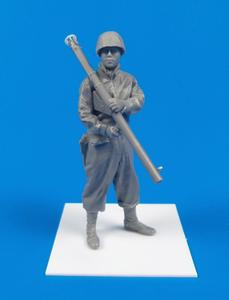 WWII US Army Soldier with Bazooka M1A2 (Anzio 1944)