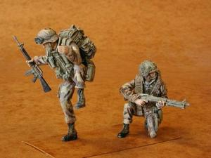 U.S. Airborne part III. (UH-60 crew) (2 fig.)