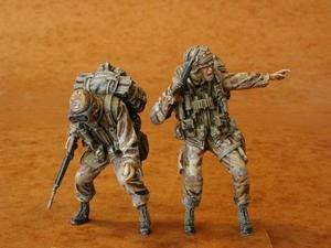 U.S. Airborne (UH-60 crew) (2 fig.)