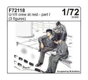 U-VII crew at rest part I (3 fig.)