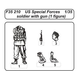 US Special Forces soldier with gun (1 fig.)