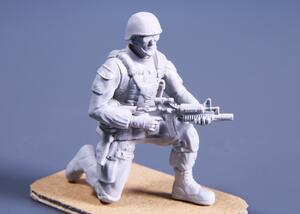 1/48 Kneeling Soldier (on right knee), US Army Infantry Squad 2nd Division  - 2