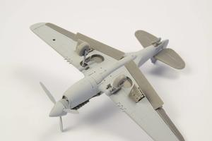 1/72 P-40 - Undercarriage Set (contains wheel well structure and canvas covers)  - 3