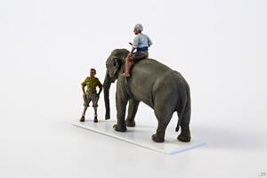 WWII RAF Mechanic in India + Elephant with Mahout (2 fig. + elephant) in 1/72  - 5