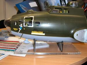 B17 F Memphis Belle - nose only 1/18  - 7